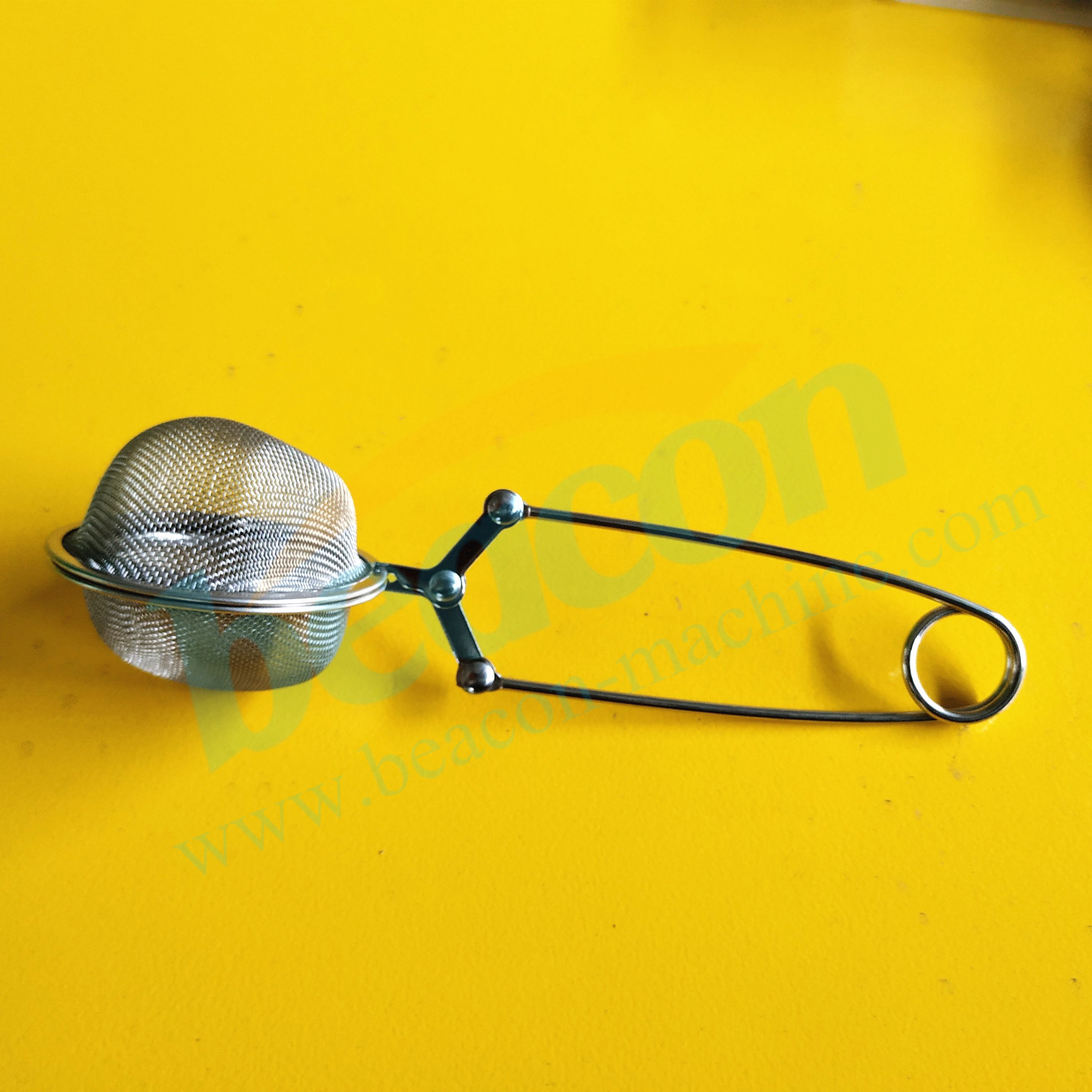 Small parts cleaning filter tools for injector cleaning